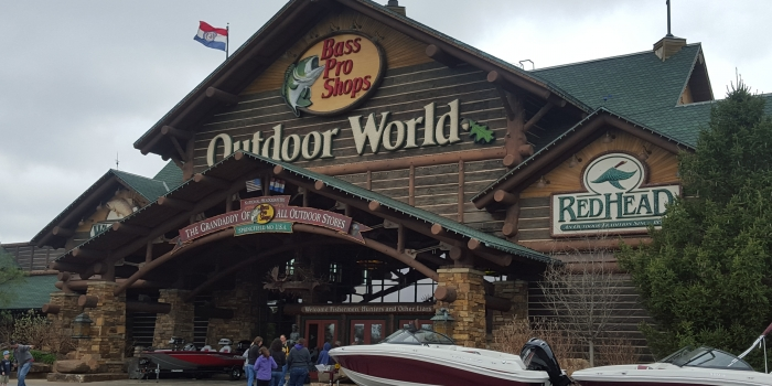 Bass Pro HQ – Grand Lobby & Boat Showroom **